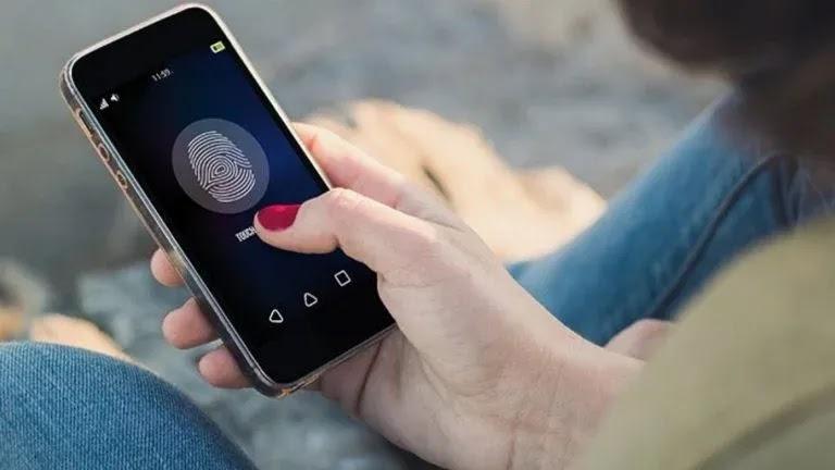 5 طرق لإضافة كلمة مرور أو قفل بصمة الإصبع على تطبيقات Android