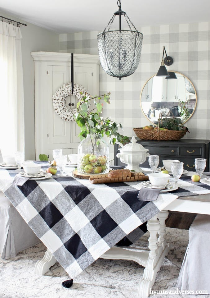 EARLY FALL APPLE TABLESCAPE