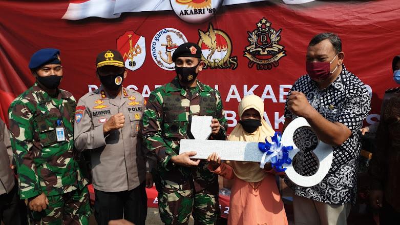 AKABRI 89 Laksanakan Program Tali Asih di Tamansari Bogor