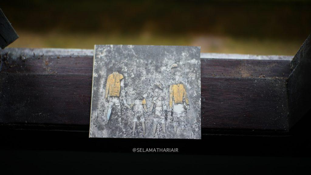 Album NKKBS Bagian Pertama Melancholic Bitch