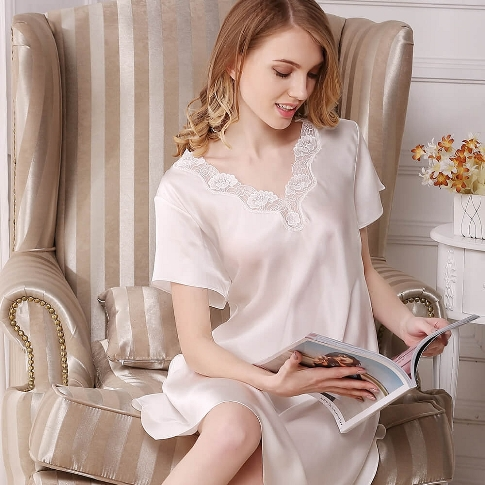 19 Momme Short Sleeved Silk Nightgown With Lace Decoration