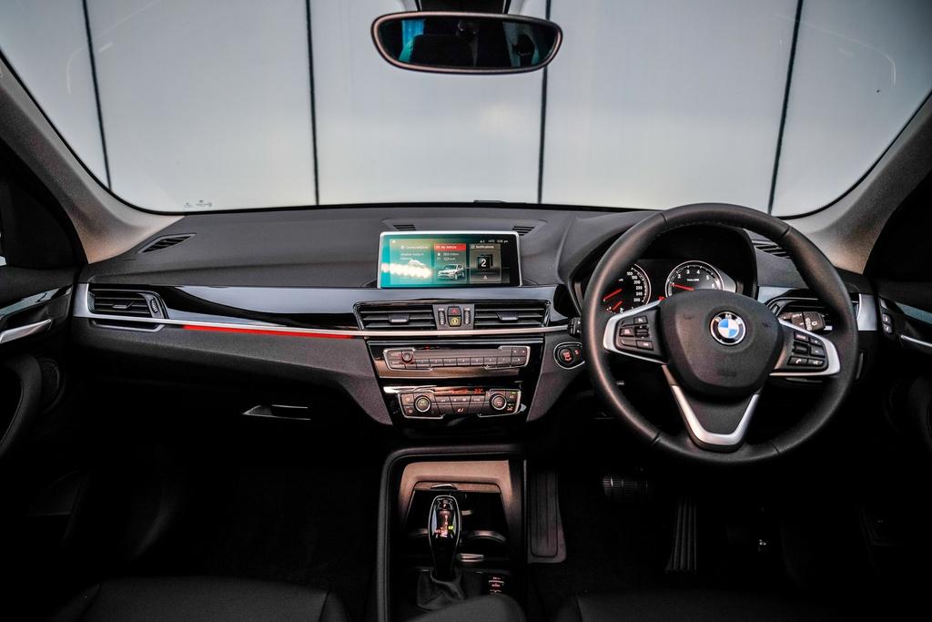 BMW X1 sDrive18i 2020 ra mắt tại Malaysia, giá bằng một nửa ở VN