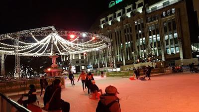 https://www.express.de/duesseldorf/unsere-eisbahn-im-vergleich-schoener-als-new-york--koe-on-ice--very-nice--28949494
