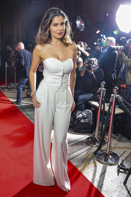 French Actress Laetitia Casta Hot Pictures in White Dress Shows Off Her Sexy Cleavage Navel Queens
