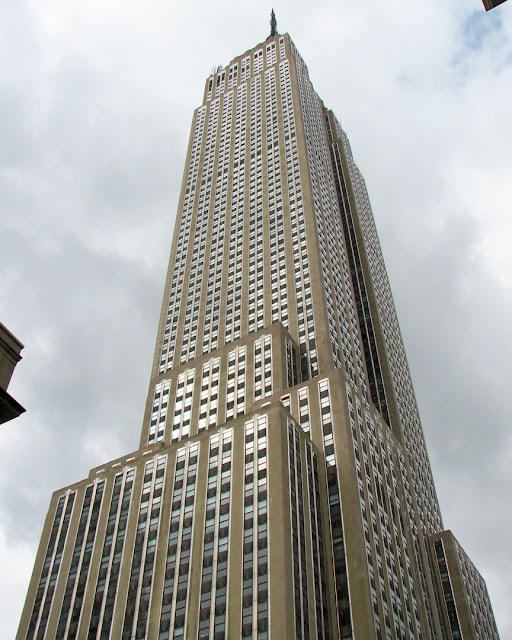 Empire State Building, Fifth Avenue between West 33rd and 34th Street, New York