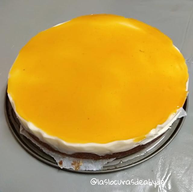 Tarta de queso con base de bizcocho