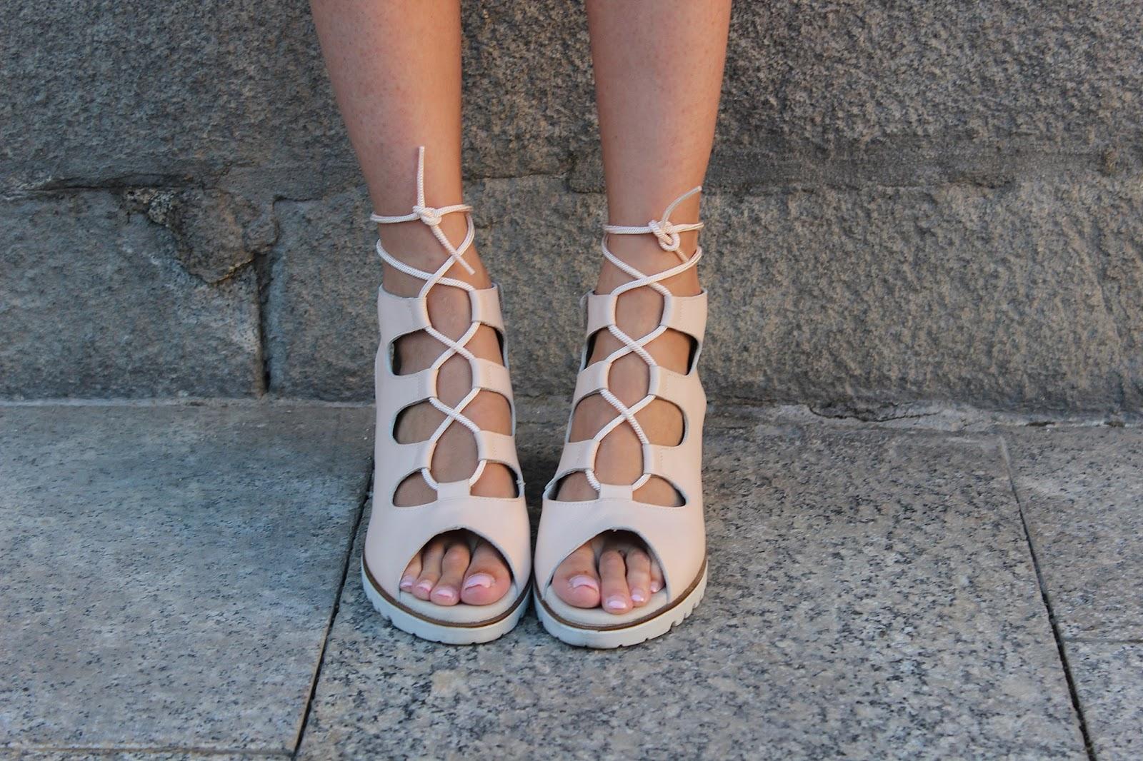 sandalias cordones