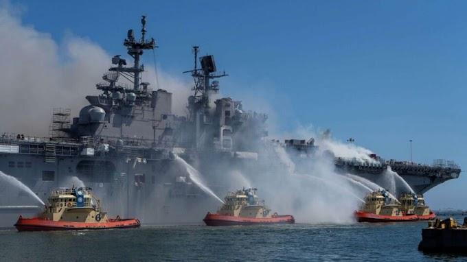 Eloltották a környezeti katasztrófával fenyegető tüzet a San Diegó-i bázis dokkjában álló amerikai hadihajón