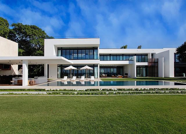 บ้านริมทะเล