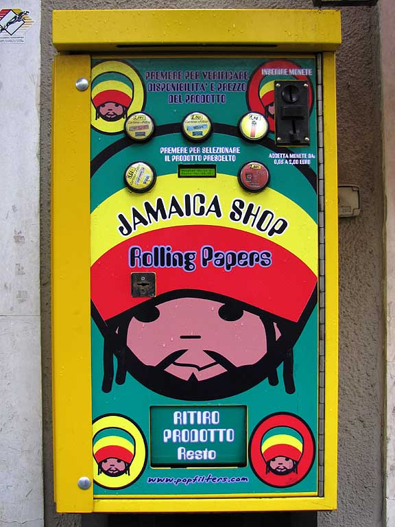 Pop Shop BR500 Jamaica, rolling papers vending machine, Livorno