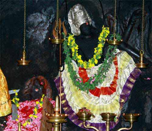 Unique Papadum Offering At Irunilamkode Temple In Kerala