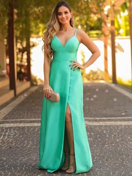 Vestido longo verde menta com fenda