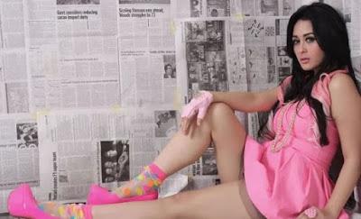 Waw, Selvi Kitty Pamer Video Aduhai Dengan Tunangannya
