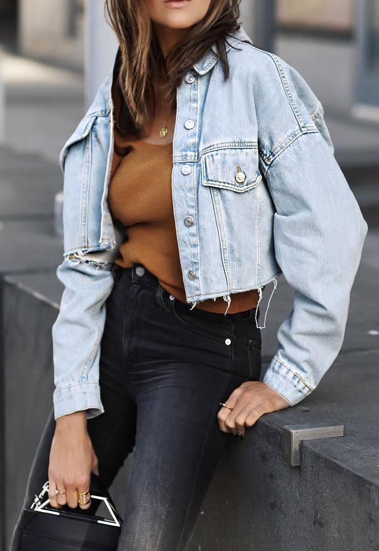 ootd / denim skirt + brown sweater + black jeans