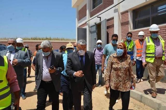 محافظ المنيا يتفقد مشروع محطة معالجة الصرف الصحي بقرية البرجاية.