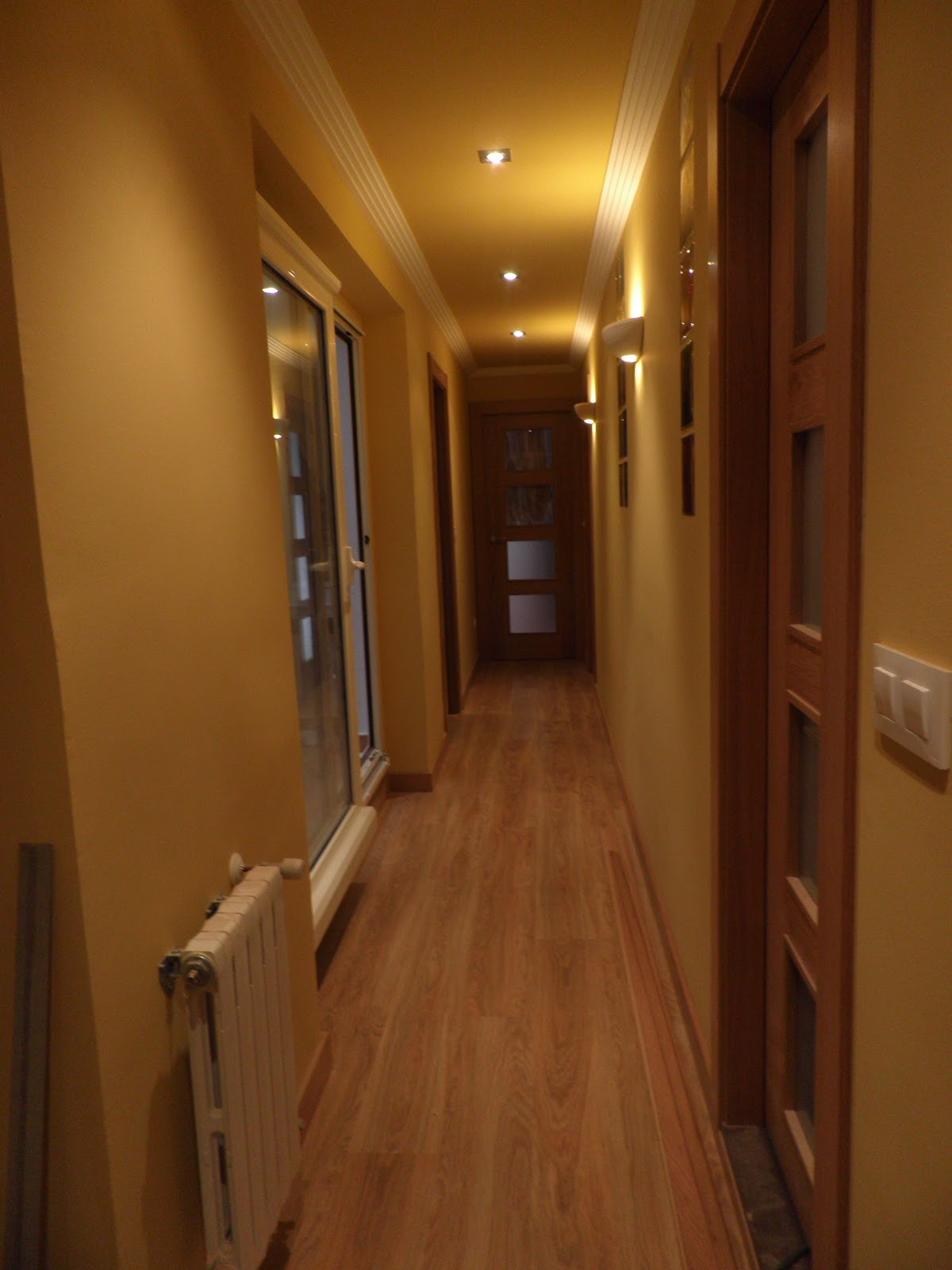 Interiorismo y decoracion lola torga el antes y despu s for Que color para un pasillo largo y oscuro