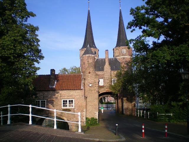 Puerta medieval en Delft Holanda