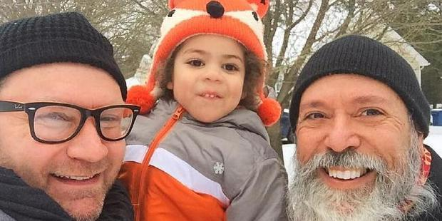 United Airlines forced to apologise to father after detaining him for 'touching' son's lap