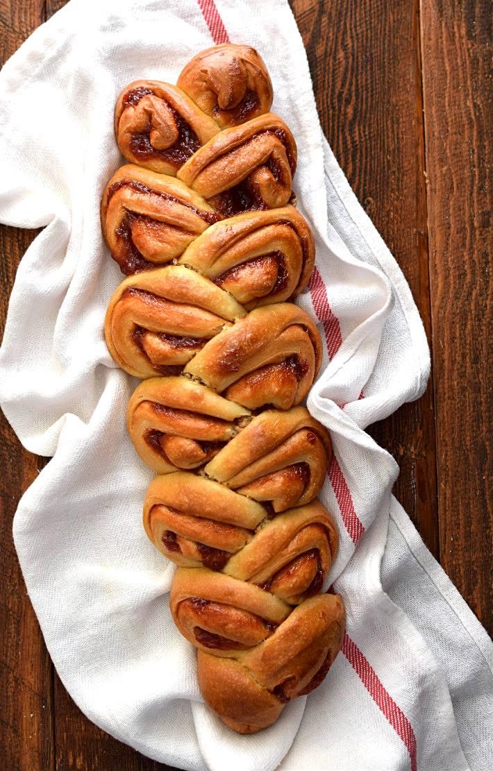 Pan dulce de guayaba, hecho en forma de espiga o pain d'epi