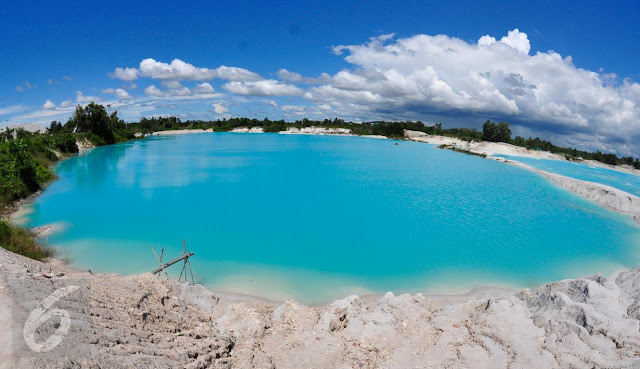 Kaolin Lake in Bangka that spoils the eyes like being at the Pole