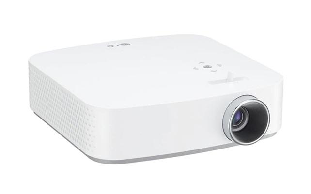 LG CineBeam PF50KS: mini proyector Full HD con webOS 3.5 proyección de hasta 100'' y batería integrada
