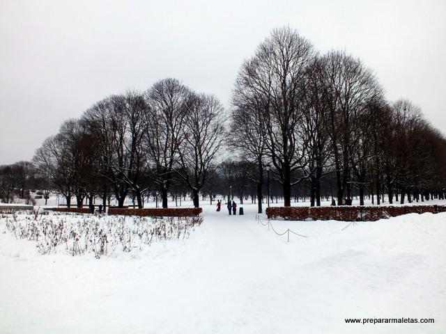 parques de Oslo con mucha nieve