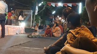 suasana malam tirakatan di Surabaya