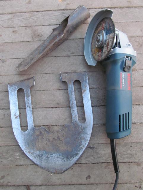 как сделать инструмент для прополки из старой лопаты
