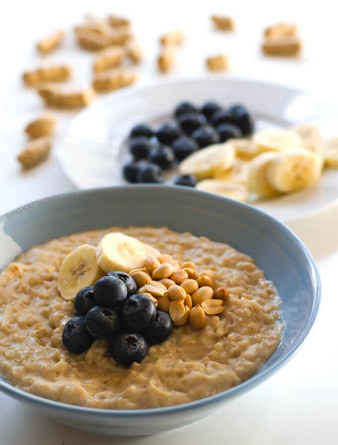 Porridge Recipe. The perfect breakfast in 15 minutes | danceofstoves.com