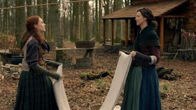 Brianna y Claire hablan de las cosas que echan de menos de sus vidas en el futuro