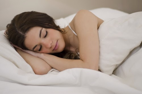 Lakukan Tips ini Jika Anda Ingin Tidur Nyenyak Tiap Malam
