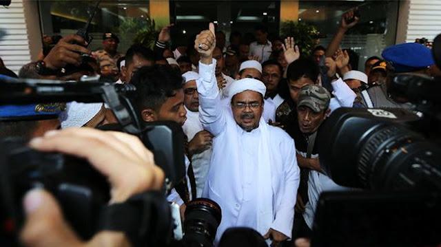 FPI Dibubarkan, Habib Rizieq: Tidak Masalah!