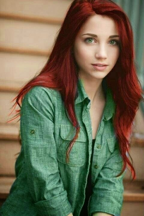If only I can rock red hair...and if it was that long...oh and had those eyes...and the clear skin. Naaaaaaaa....I'm happy the way I am.  See more http://www.womensandmenshairstyle.net/