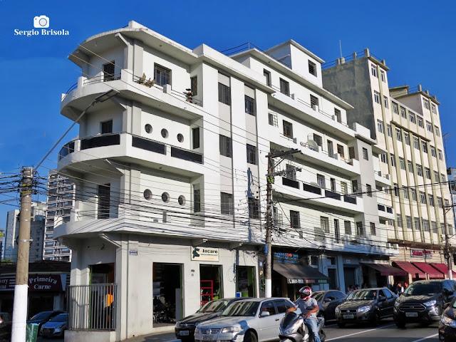 Vista ampla do curioso Edifício Lutfi - Mirandópolis - São Paulo