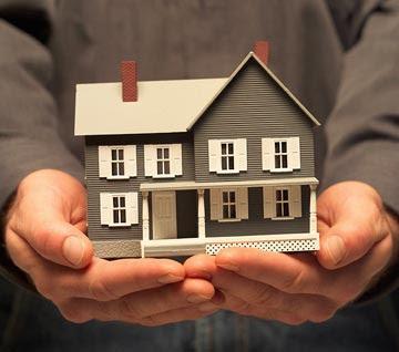 contoh miniatur rumah sebagai sampel untuk investasi properti