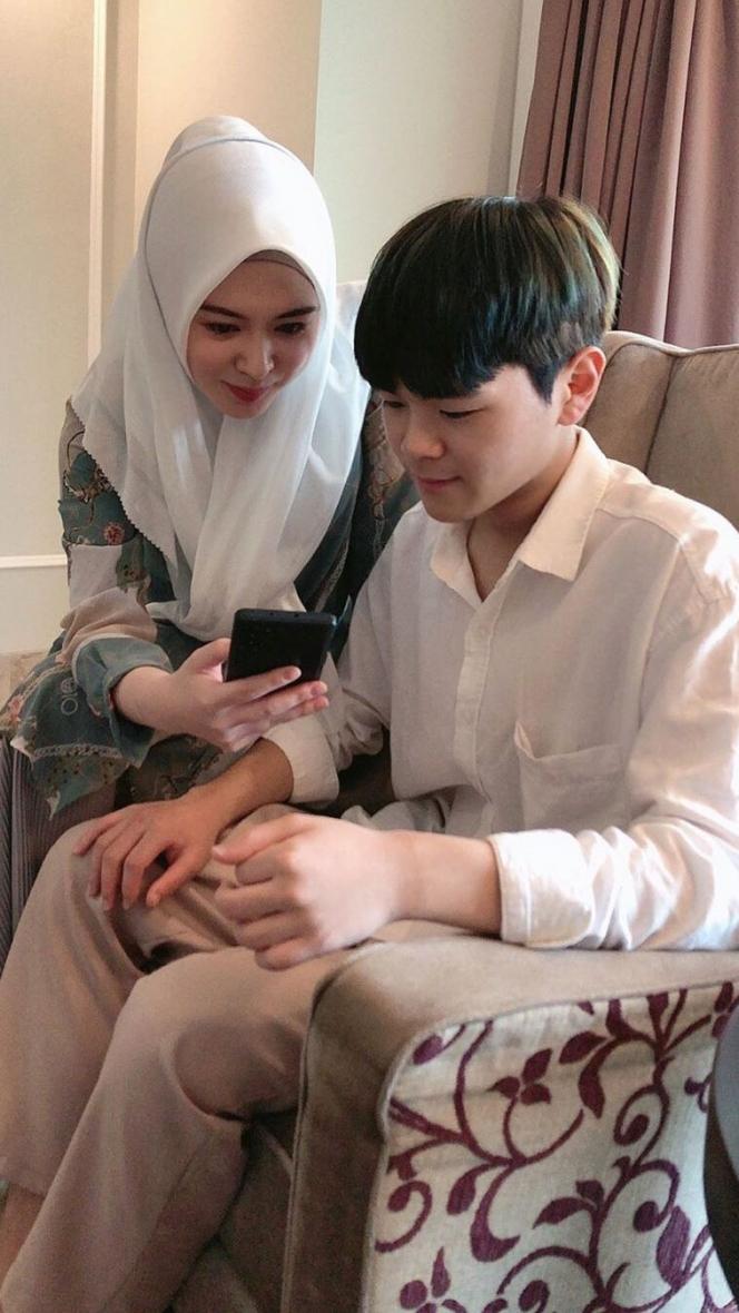 Selebgram Ayana Moon Ungkap Perbedaan Ramadan di Indonesia dan Korsel
