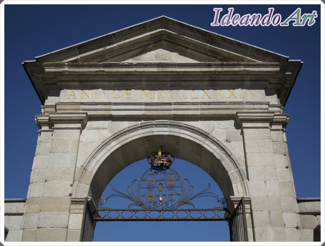 Puerta Reina
