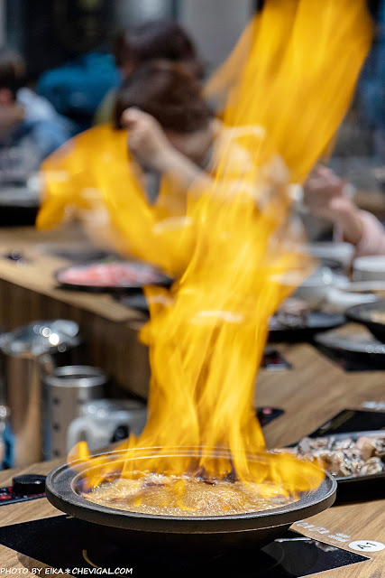 MG 7518 - 熱血採訪│台中雞佛火鍋這裡吃!搭配烏骨雞與蛤蜊超澎派,還有人氣必點剝皮辣椒鍋新發售~