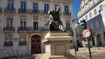 statua carina