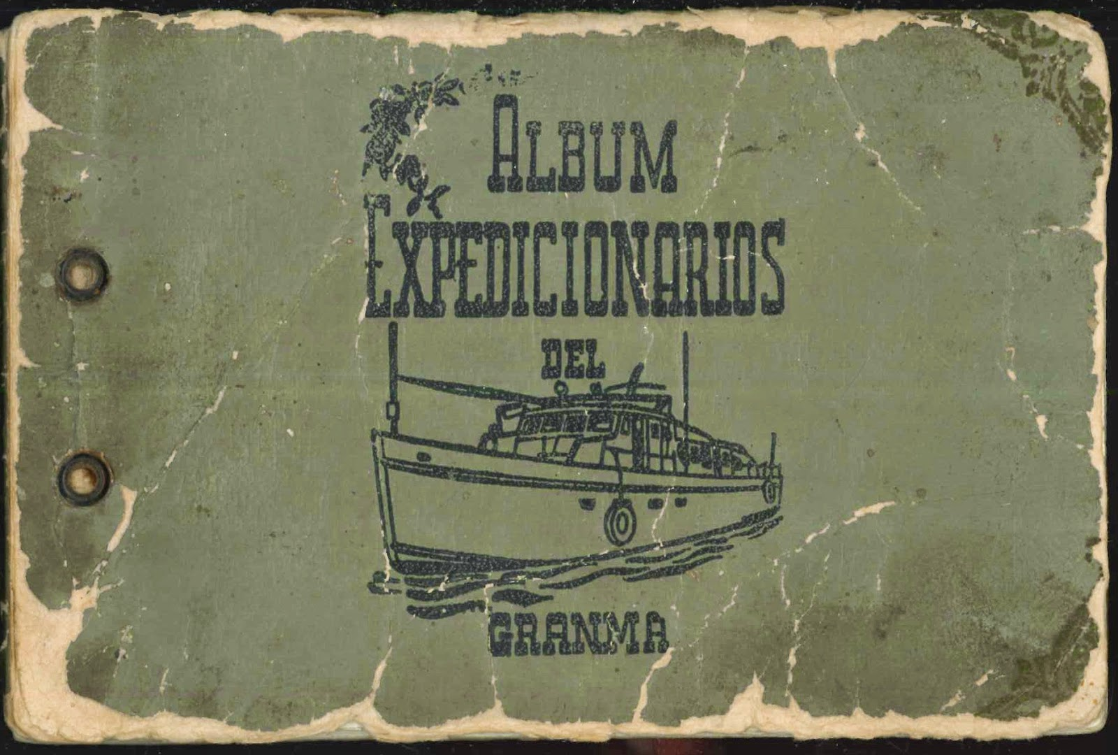 "The green cover for ""Album Expedicionarios."""