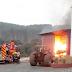Bombeiros combatem incêndio em empresa de Tangará