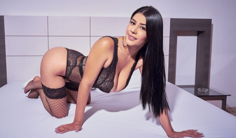 https://www.glamourcams.live/chat/MiaRivera