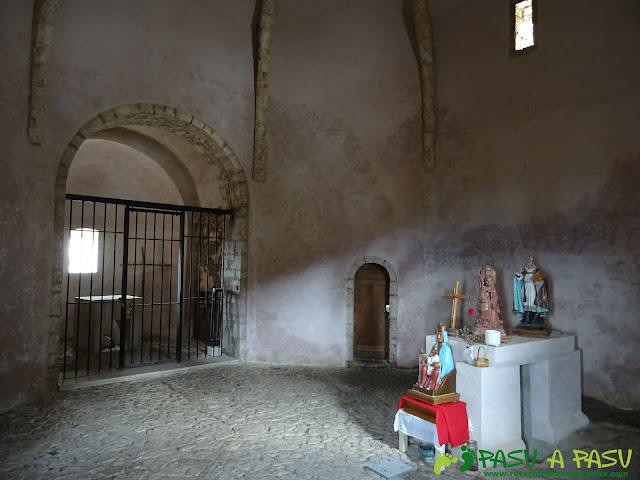 Interior de la Capilla de Santiago del Monsacro.