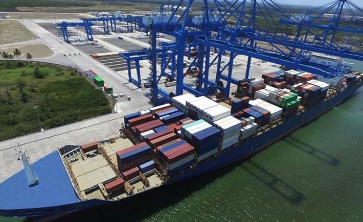 Además, el Puerto de Tuxpan trabajará, con recursos propios, en cuatro proyectos esenciales en la modernización y equipamiento de infraestructura portuaria, entre ellos, el dragado de mantenimiento en áreas de navegación, informó la SCT. (Foto: Tuxpan Informativo)