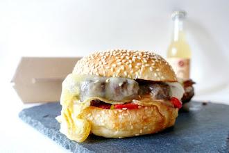 Mes Adresses : Burgers de Jòia, Hélène Darroze revisite la street food et pimpe le burger version Sud-Ouest - A emporter, en Click&Collect ou en livraison