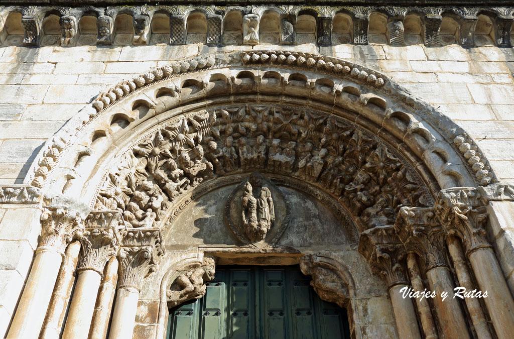 Portada principal de San Nicolás, Portomarín