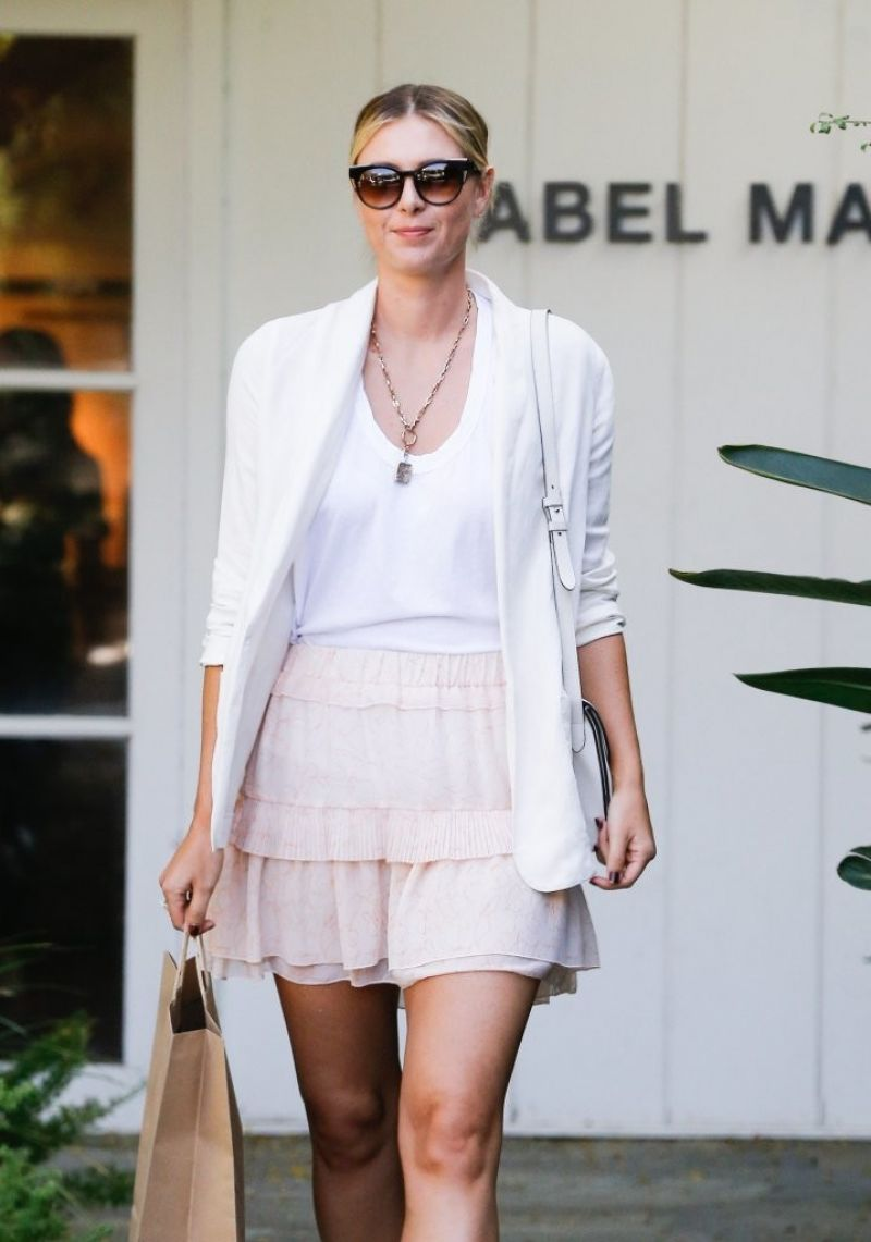 HD Photos of Maria Sharapova in Mini dress out for Shopping in West Hollywood