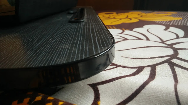Tarkan foldable laptop table glossy plastic stripe