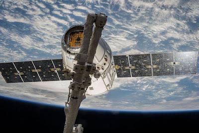 SpaceX-Satellite-Nikon-D3s