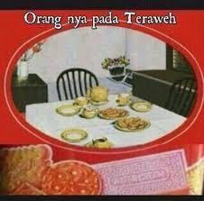meme lucu ramadhan kaleng biskuit